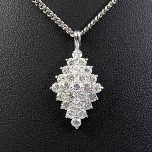 K18WG ダイヤモンド デザインネックレス