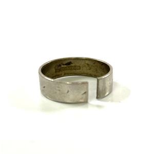 Pt900 プラチナリング 切れている指輪