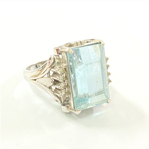 Pt900 プラチナ アクアマリン ダイヤモンド デザインリング